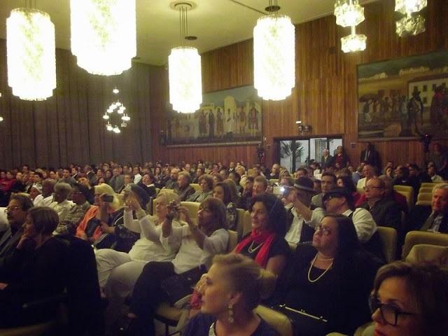 Platéia lotada no Salão Nobre da Câmara Municipal de São PAulo no Fórum e noite de homenagens (1)